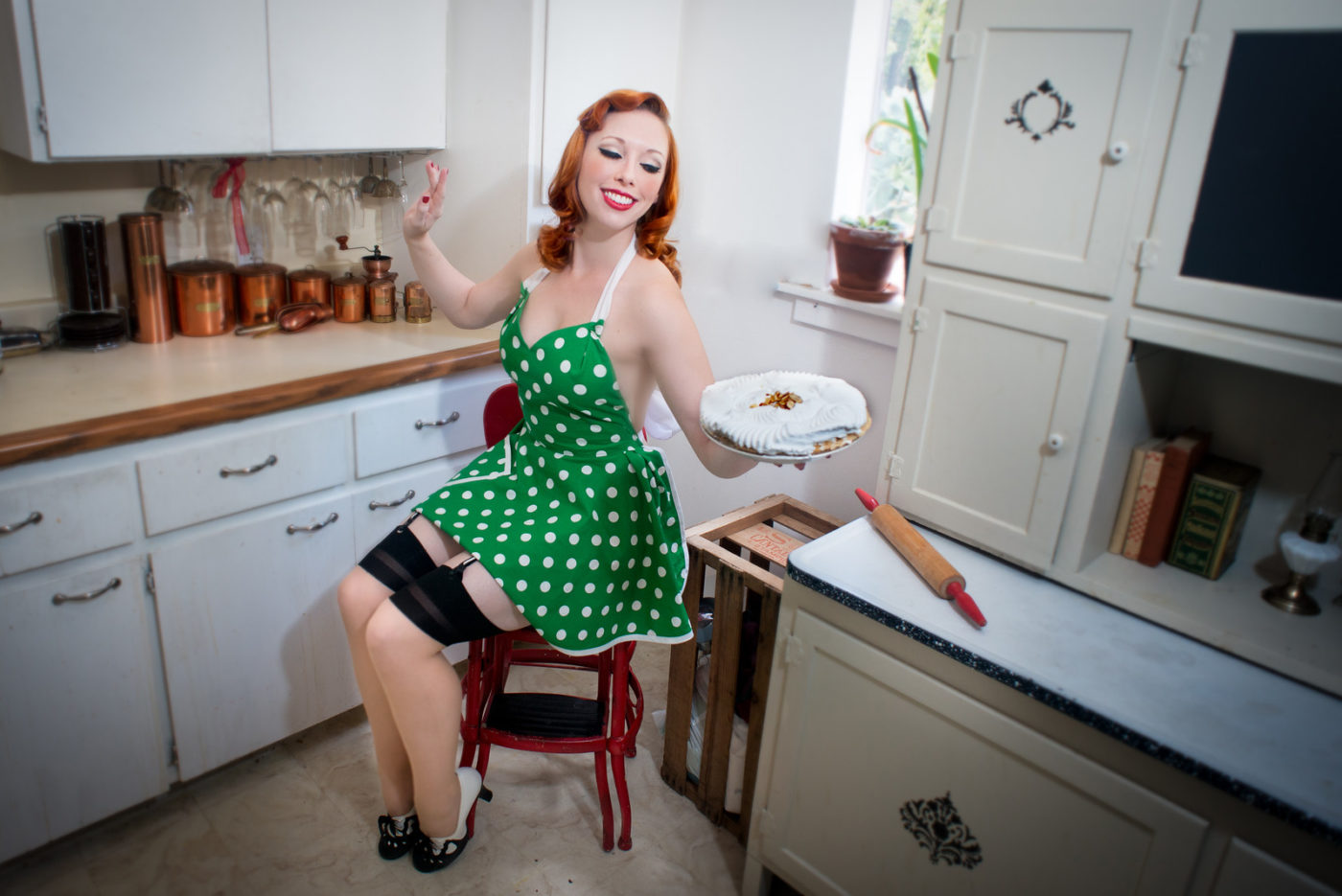 Real Beauty, Pinup Photography, Jenny, 1950's Housewife, Auey Santos Photography